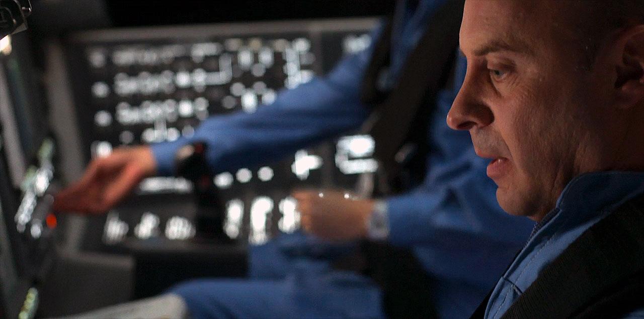 Garrett Reisman, en gros plan, dans une scène du deuxième épisode de la saison 2 de