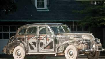 Le jour où Pontiac a fabriqué une voiture transparente pour promouvoir le matériau du moment: le plexiglas