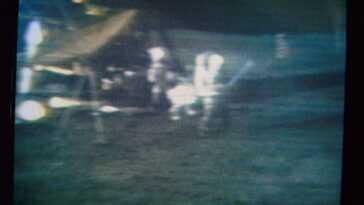 Il Y A 50 Ans, Un Astronaute D'apollo 14 Jouait