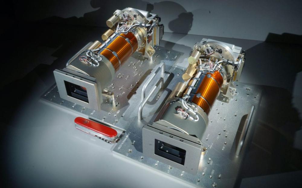 Le Mastcam-Z comprend deux caméras avec des objectifs zoom permettant aux chercheurs de créer des images en trois dimensions du paysage martien.