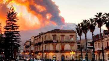 Cendres Et Lave: L'éruption Du Mont Etna Impressionne Les Spectateurs