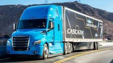Daimler S'associe à Amazon Pour L'aider à Tester Les Camions