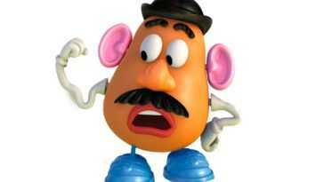 Hasbro Laisse Tomber Le 'mr.' Dans Potato Head Après 70
