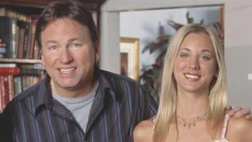 Kaley Cuoco révèle comment l'ancien père de la télévision John Ritter lui a appris à être un leader