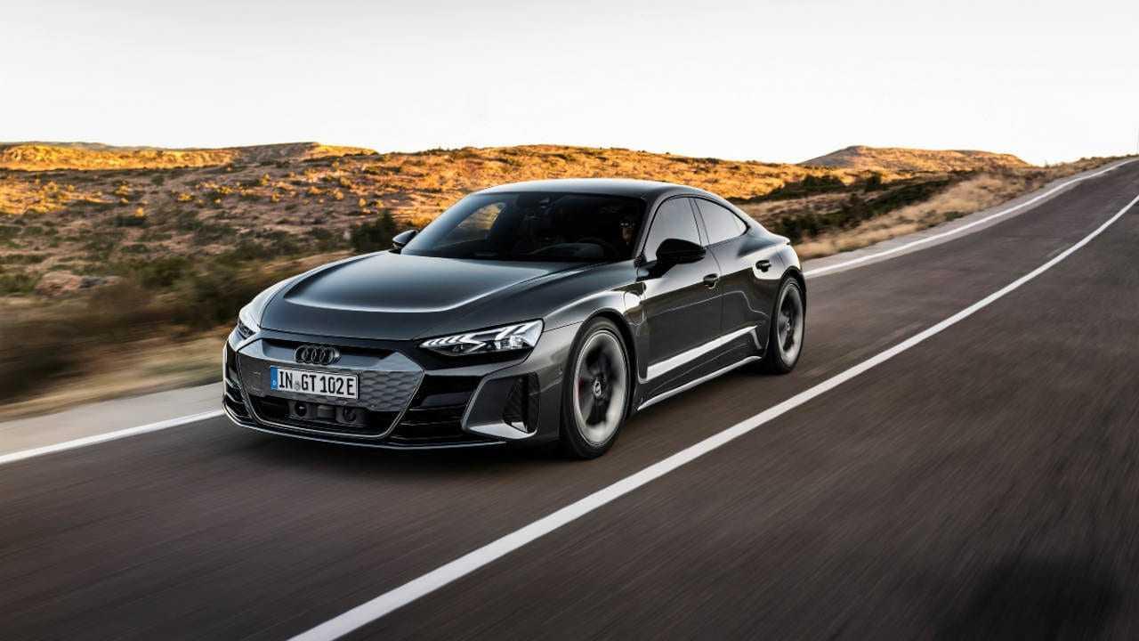 L'Audi e-tron GT entièrement électrique fait une première mondiale;  a une autonomie allant jusqu'à 487 km