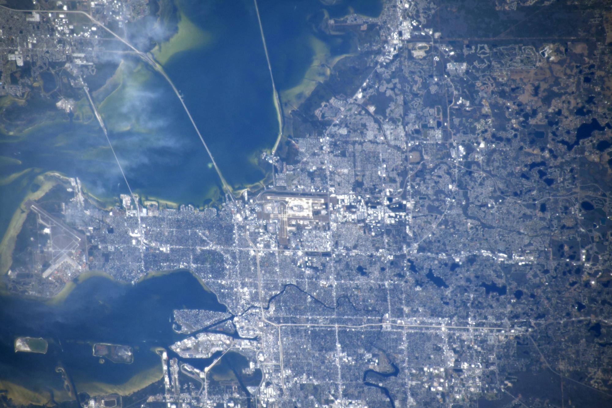 L'astronaute de la JAXA Soichi Noguchi a capturé cette photo de Tampa, en Floride, depuis la Station spatiale internationale.