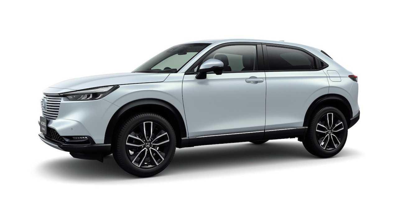 La toute nouvelle Honda HR-V (Vezel) fait ses débuts au Japon et comprend un nouveau système hybride e: HEV