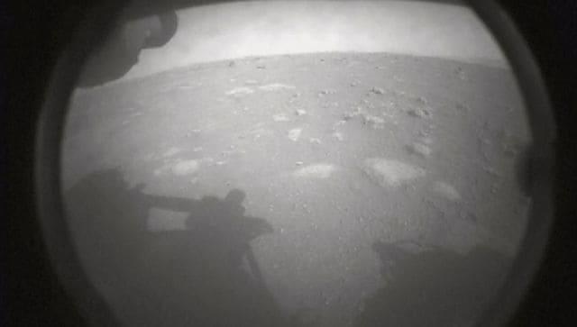 Le rover Perseverance de la NASA réussit son atterrissage sur Mars pour renouveler la recherche d'une vie éteinte