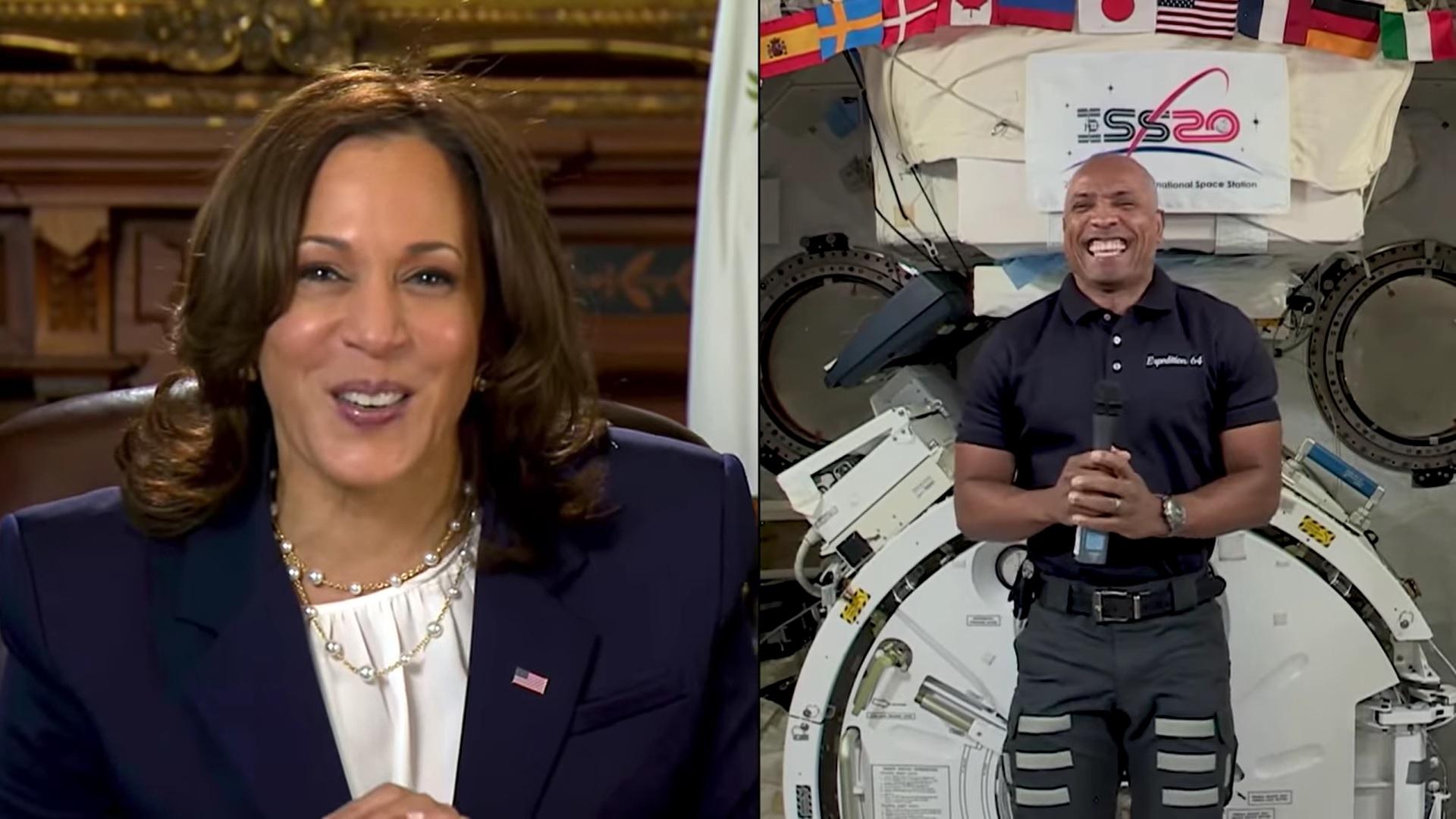Le vice-président américain Kamala Harris s'entretient avec l'astronaute de la NASA Victor Glover pour célébrer sa mission vers la Station spatiale internationale lors d'un appel vidéo de février 2021.