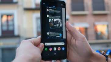 Google Pixel 3a XL, écran allumé avec applications
