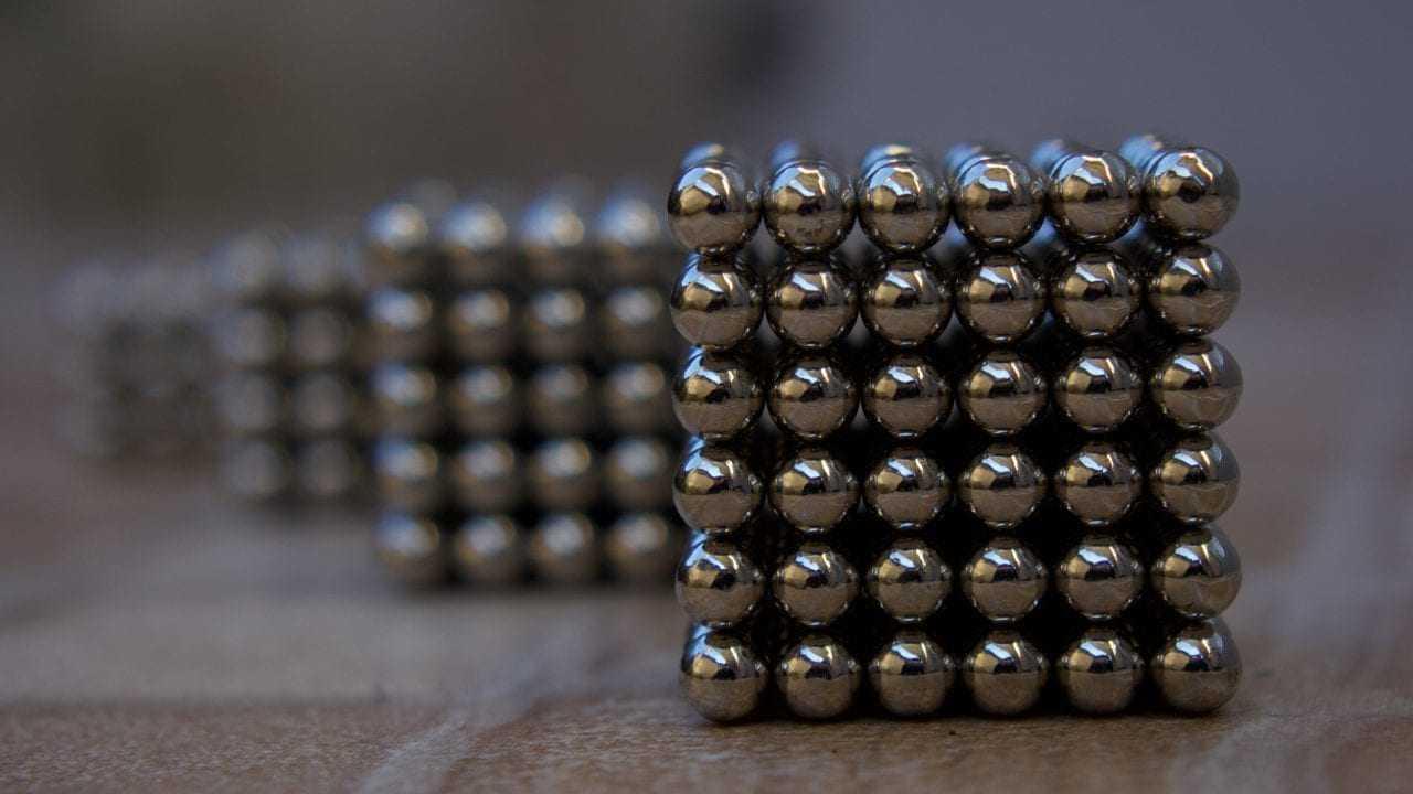 Les scientifiques manipulent des aimants au niveau atomique, une percée dans la technologie de traitement des données