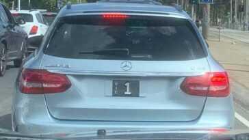 Quel Est L'objet Le Plus Précieux Sur Cette Mercedes Amg C