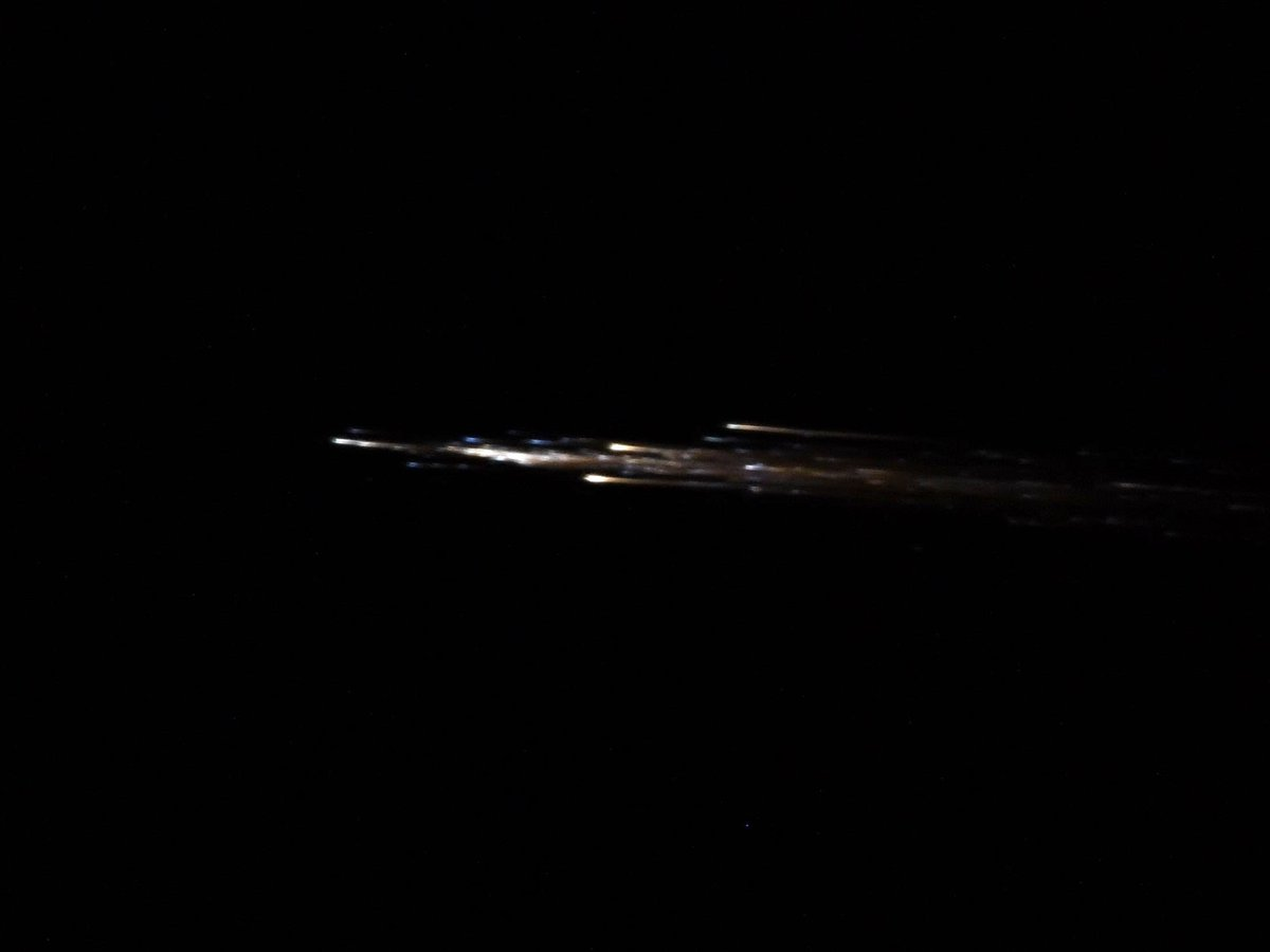 L'astronaute de la JAXA Soichi Noguchi a partagé cette photo sur Twitter de l'engin cargo Progress MS-15 de Roscosmos en train de brûler dans l'atmosphère terrestre après sa désorbitation le 8 février 2021.