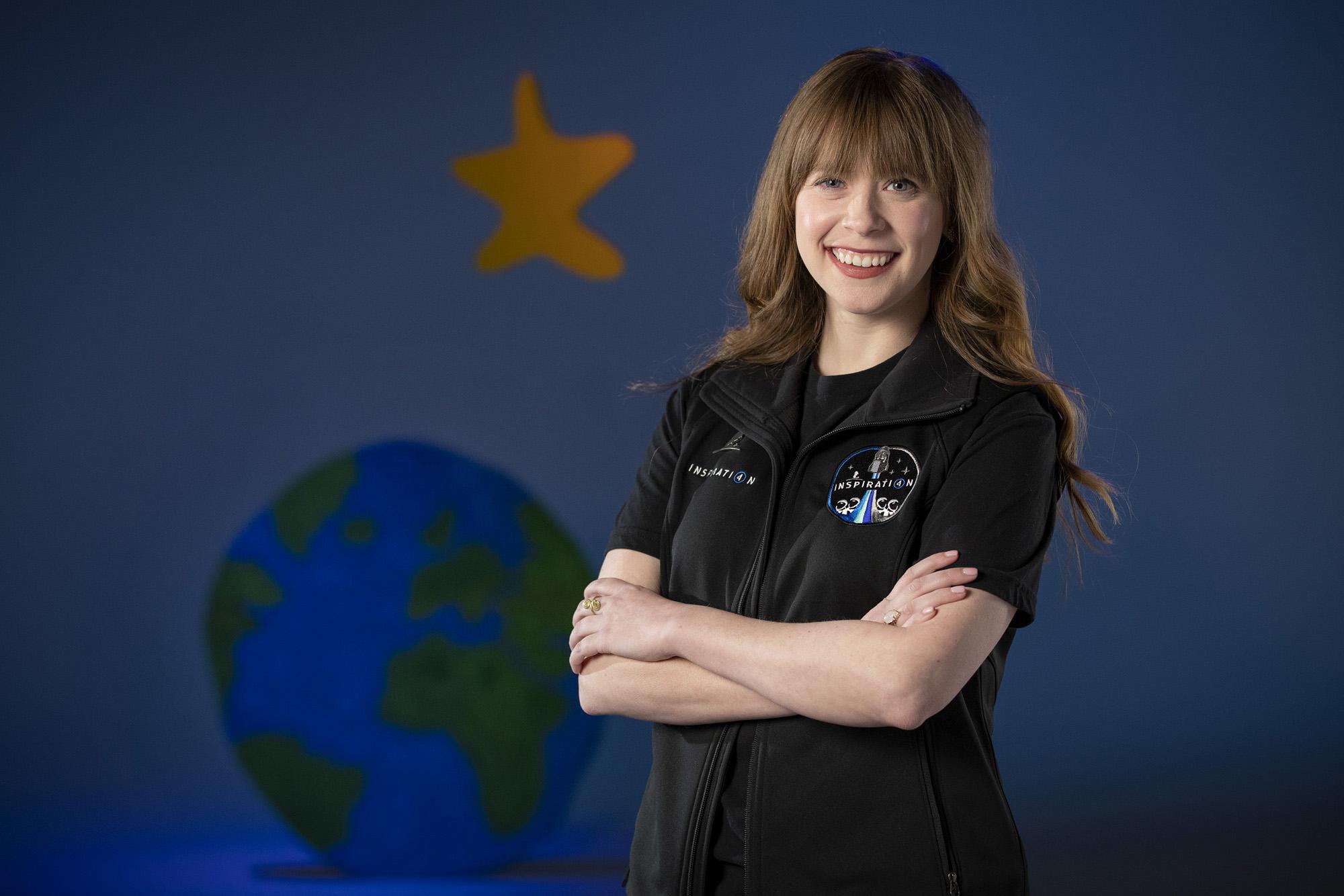 Hayley Arceneaux, 29 ans, survivante du cancer des os infantile, rejoindra la mission privée Inspiration4 SpaceX dirigée par Jared Isaacman.