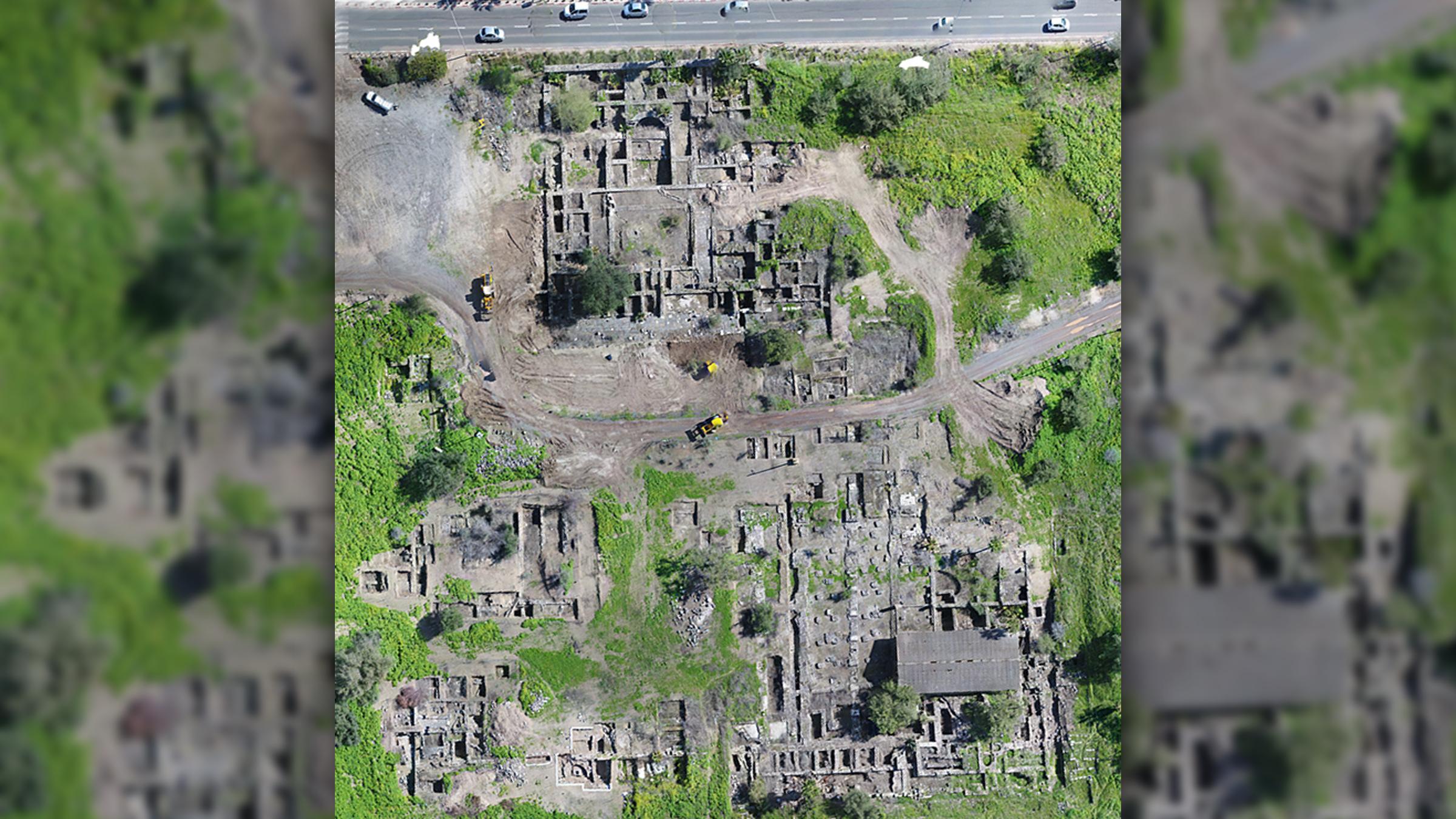 Une photo aérienne du site de la mosquée
