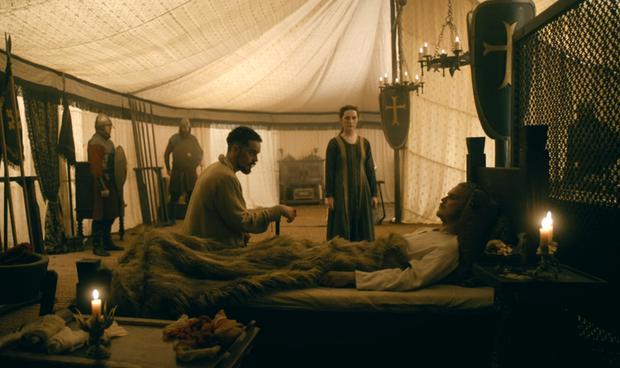 """Alfred a épargné la vie de Hvitserk à la fin de """"Vikings"""" (Photo: Amazon Prime Video)"""