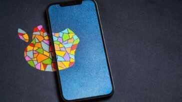 Ming-Chi Kuo esquisse la feuille de route de l'iPhone: pas d'encoche, plus de batterie, écran 120 Hz et même pliable en 2023