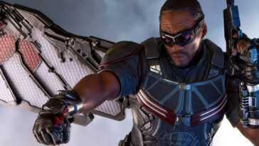 Anthony Mackie a parlé des améliorations apportées à son costume dans `` Falcon and the Winter Soldier ''