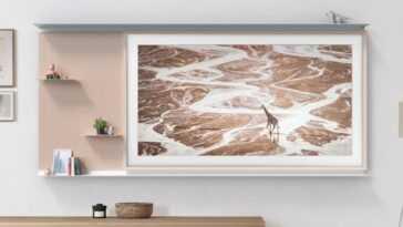 Samsung The Frame 2021 arrive avec 1400 œuvres d'art et un accessoire pour créer un meuble sur le mur à partir du téléviseur