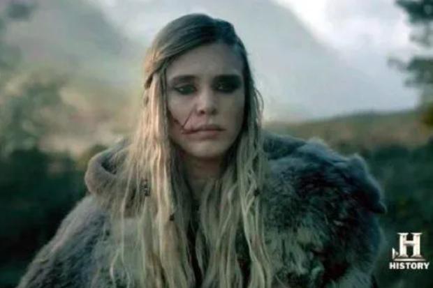 """Porunn a abandonné son mari et sa fille lors de la troisième saison de """"Vikings"""" (Photo: Histoire)"""