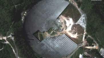 Nettoyage Du Radiotélescope Effondré De L'observatoire D'arecibo Vu De L'espace