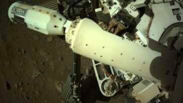 Le Rover Perseverance De La Nasa Déploie Un Capteur De