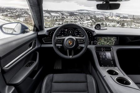 Intérieur Porsche Taycan Cross Turismo