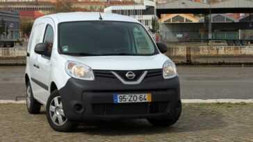 Nouvelles Publicités Nissan Produites à L'usine Renault Kangoo