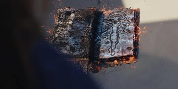 The Darkhold n'est pas n'importe quel livre, il corrompt l'âme (Photo: Disney Plus)