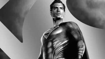 La nouvelle bande-annonce de `` Justice League '' montre plusieurs costumes de Superman