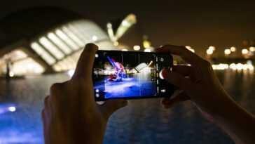 La photographie mobile ne cherche plus le réalisme, elle cherche à impressionner (et on adore)