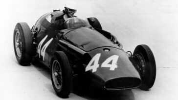 Le Jour De La Femme. Maserati Rappelle La Première Femme