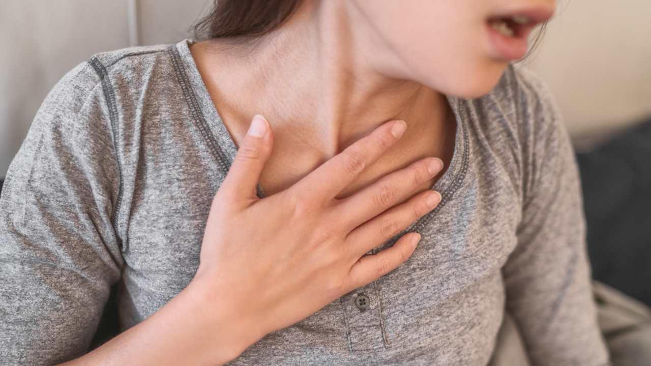 La réaction allergique potentiellement mortelle à la vaccination à l'ARNm COVID19 est rare, une étude limitée suggère