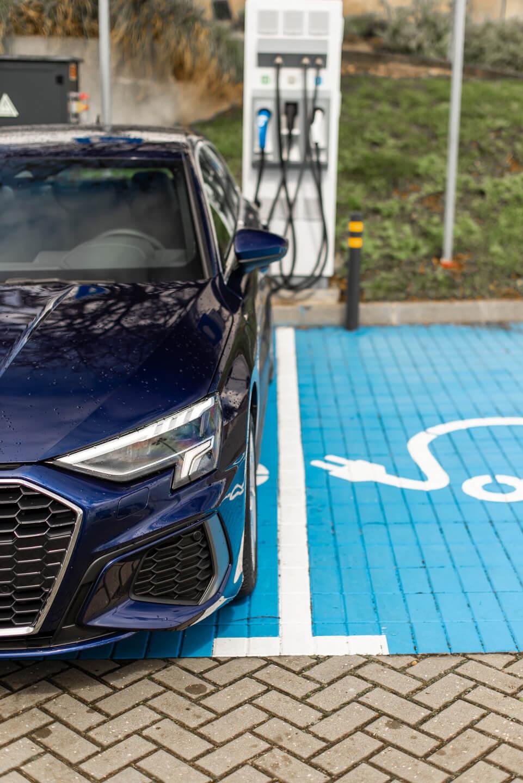 Chargement de l'Audi A3 40 TFSIe