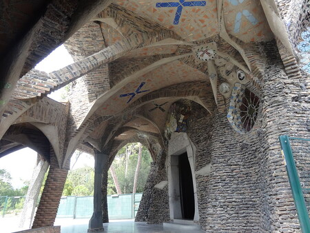 Crypte coloniale Guell