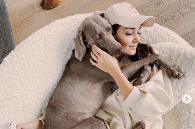 L'actrice aime partager de nombreuses images de son quotidien.  (Photo: Hande Erçel / Instagram)