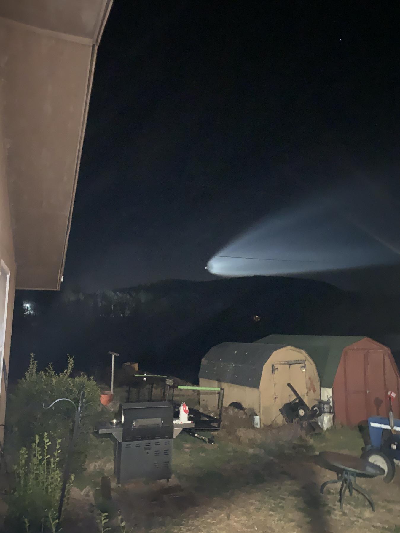 Cette photo de Warren L. montre le lancement de la fusée SpaceX Falcon 9 le 14 mars 2021, vu de Front Royal, en Virginie.