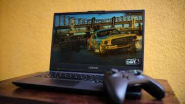 Critique De L'ordinateur Portable De Jeu Lenovo Legion 5: Un