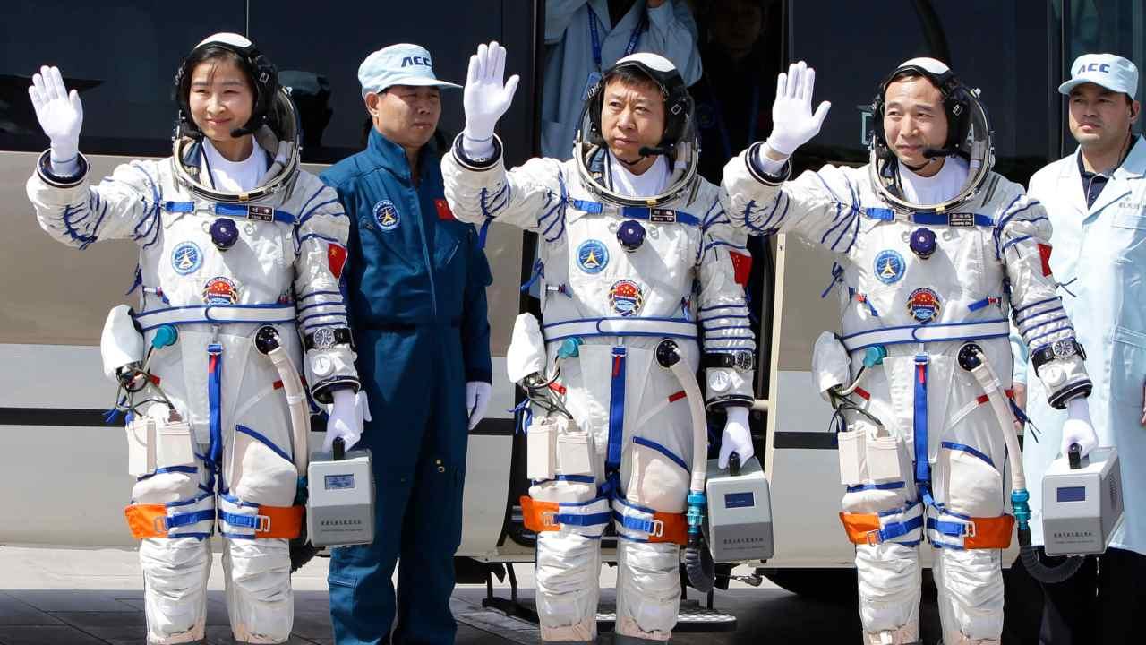 Des astronautes en formation pour des missions avec équipage dans la prochaine station spatiale de la Chine: CNSA