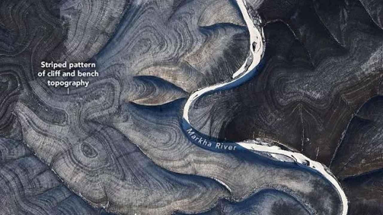 D'étranges ondulations sur les collines tourbillonnantes vues dans les images Landsat-8 laissent la NASA perplexe