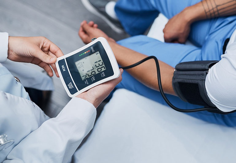 Double risque d'hypertension artérielle chez les patients