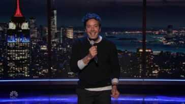 Jimmy Fallon et John Legend n'arrivent pas à croire que c'est 'March Again' dans une chanson parodique hilarante