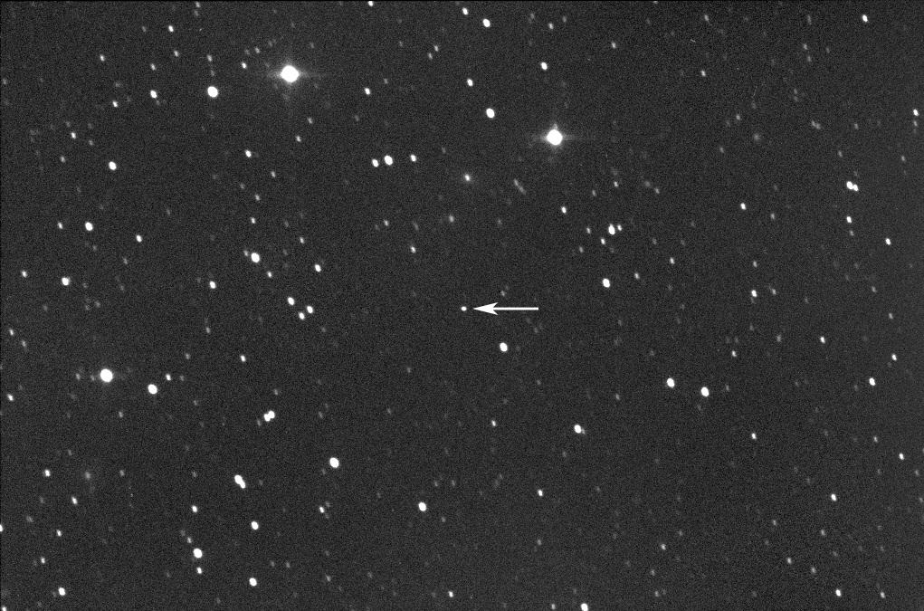 L'astéroïde 2001 FO32 est vu tel qu'il est apparu le 16 mars 2021 avant un survol rapproché le 21 mars dans cette image du télescope par l'astrophysicien Gianluca Masi du Virtual Telescope Project.
