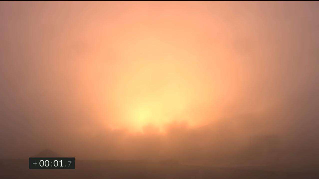 Une vue du lancement du SN11 vu à travers l'épais brouillard de Boca Chica, au Texas, le 30 mars 2021.