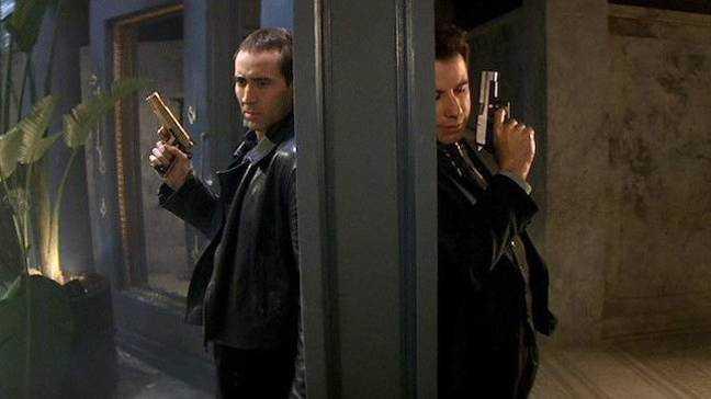 Wingard espère que Travolta et Cage reprendront leurs rôles.  Crédit: Paramount Pictures