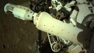 Le Rover Perseverance Mars De La Nasa Déploie Un Capteur