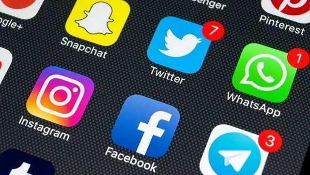 Légalité des nouvelles règles élaborées par le gouvernement pour réglementer l'OTT, les plateformes de médias sociaux interrogées par un panel parlementaire