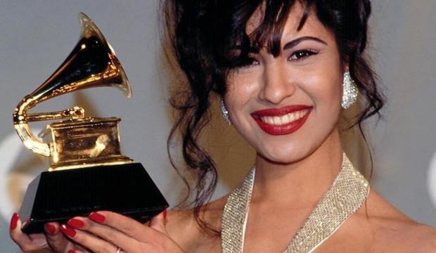 Selena Quintanilla sera l'une des lauréates du nouveau gala Grammy.  (photo: @selenaqofficial).