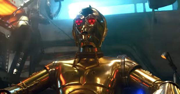 C-3PO se reprogrammant lui-même (Photo: Lucasfilm)