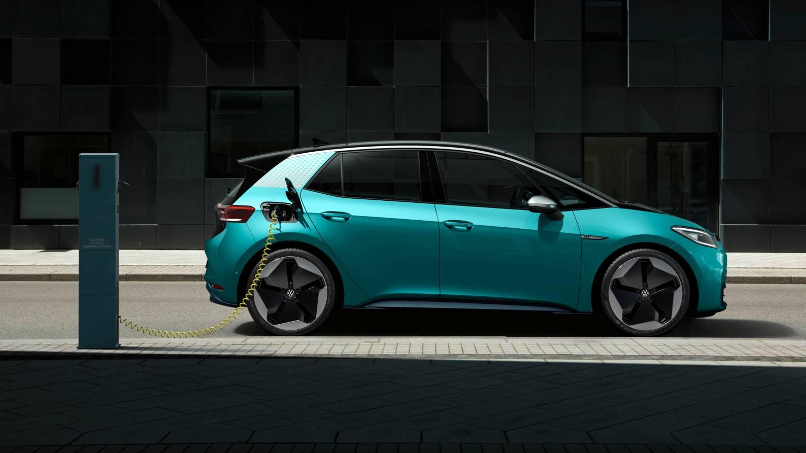 Volkswagen investit 100 millions d'euros pour former une joint-venture pour construire des batteries avec la firme allemande Customcells.  Image : Volkswagen